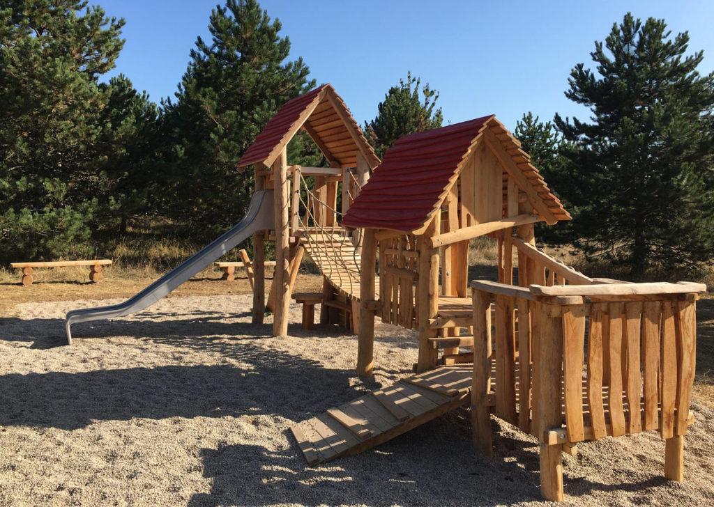aménagement d'une aire de jeux en bois de robinier meurthe et moselle 54 (1)